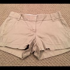 Jcrew shorts Khaki shorts two pockets in front and back size 2 J. Crew Shorts