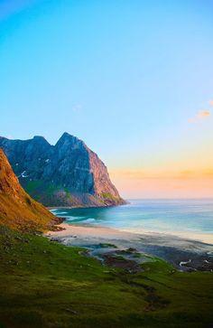 Лофотенские острова, Норвегия  #красота #пейзаж #природа #photography #nature #amazing #pictures #beautiful #naturek #landscape #beauty #naturephotography #new #острова #фото #норвегия