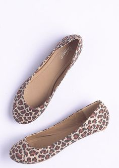 Leopard Flats - still love a leopard flat with skinnies. For Winter, team with navy or plumroon!