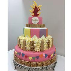 @marianafrancojunqueira - Bolo festa junina menina  #marianajunqueira #cake #festajunina #felipeoliveirainspiracao #festajuninarosa @rafaella