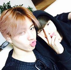 """""""""""맠형 우리집왔다아~!ㅎㅎㅎㅎㅎ"""" """"© Yugyeom's Instagram"""""""" Yugyeom and Mark c:"""