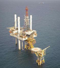 Oil climbs as Venezuela sees output deal, Libya suffers clashes