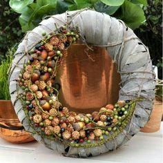 autumn – World of Flowers Burlap Flower Wreaths, Fall Wreaths, Diy Wreath, Door Wreaths, Christmas Wreaths, Floral Wreath, Christmas Decorations, Christmas Ornaments, Arte Floral