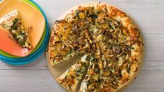 Fun-Guy Pizza: Mushrooms are the stars in this kid and vegetarian-friendly pizza perfect for weeknight family dinners. #MeatlessMonday #Mushrooms