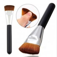 Plochý konturovací štětec na makeupPošta Zdarma