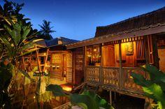 Em Bali, ecovila utiliza material e conhecimento local para não agredir meio ambiente. Arquiteto utilizou os recursos e conhecimentos da comunidade para concretizar o projeto.