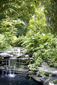 Satumaisen luonnonmukainen puutarha