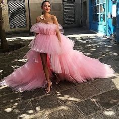 haute couture fashion – Gardening Tips Runway Fashion, High Fashion, Fashion Outfits, Evening Dresses, Prom Dresses, Formal Dresses, Casual Dresses, Pretty Dresses, Beautiful Dresses