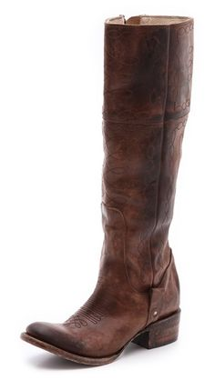 These @Sera Mendoza boots are such cool #cowboy fab....I see a fun weekend outfit and under $275 at @Shopbop right now