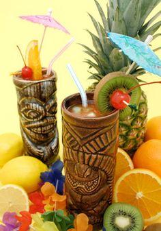 Recette du cocktail Zombie  3 cl de Rhum blanc 3 cl de Rhum brun 1.5 cl de Apricot Brandy 6 cl de Jus d'ananas 1.5 cl de Sirop de sucre de canne 0.5 cl de Sirop de grenadine 0.5 Citron vert (fruit)