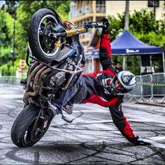 Stunt ok cant do this Moto Bike, Motorcycle Style, Freestyle Motocross, Stunt Bike, Cool Motorcycles, Dirtbikes, Street Bikes, Bike Life, Sport Bikes