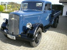 Opel Blitz / 1951 / Norway Vintage Trucks, Old Trucks, Old Wagons, Gm Car, Truck Art, Old Tractors, Dump Trucks, Busse, Transporter
