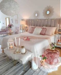 33 Stylish Bedroom Decorating Ideas To Inspire You Modern Bedroom With String Lights ★ In pursuit of inspiring bedroom decorating ideas? Our photo gallery will totally make you crave for changes. Save our cozy, boho ideas for teen girls, couples, women. Pink Bedroom Design, Home Decor, Stylish Bedroom, Bedroom Inspirations, Room Decor Bedroom, Modern Bedroom, Woman Bedroom, Bedroom Decor, Girl Bedroom Decor
