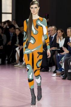 Christian Dior Fall 2015 Ready-to-Wear Collection Photos - Vogue Dior Fashion, Runway Fashion, Fashion News, Fashion Show, Fashion Trends, Young Fashion, Street Fashion, Fashion Week Paris, Christian Dior