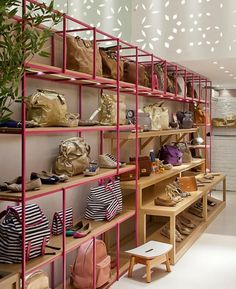 7 Best Store Design Ideas Very Unique! Find ideas for Interiors with many of inspiring photos from design professionals. Shoe Store Design, Retail Store Design, Boutique Interior, Cafe Interior, Colorful Playroom, Store Layout, Store Interiors, Home Decor Store, Ideas