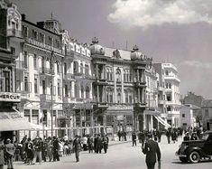 Piata Ovidiu in perioada interbelica (foto: @fb Constanta Old Memories) Bucharest Romania, Black Sea, Belle Epoque, Cities, Buildings, Nostalgia, Coast, Street View, Memories