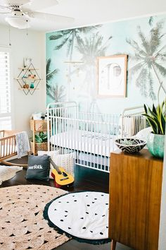 A coastal inspired nursery | Round Jute Rug via Serena & Lily | Image via Glitter Guide