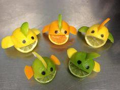 citrus fish…mix up the lime, orange, and lemon for multicolored fish Decoration Cocktail, Fruits Decoration, Deco Fruit, Kids Art Party, Veggie Art, Veggie Food, Fish Food, Deco Buffet, Food Art For Kids