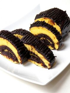 Home - Kifőztük Hungarian Desserts, Hungarian Recipes, Sweets Recipes, Cookie Recipes, Albanian Recipes, Albanian Food, Sweet And Salty, Something Sweet, Cake Cookies