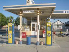 Richfield Gas Station, California. ★。☆。JpM ENTERTAINMENT ☆。★。