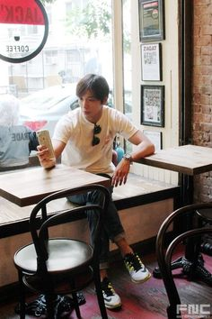 One of the 'very ordinary young people', Jung Yong Hwa's New York trip