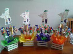 Cajitas con dulces y decoracion personalizada