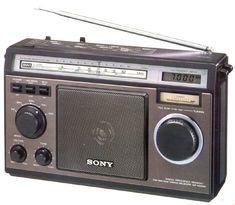 Martins Radio Pages - Martins Doc Files - Martins Family Affairs Tvs, Phone Sounds, Sony Electronics, World Radio, Retro Radios, Old Technology, Digital Radio, Antique Radio, Transistor Radio