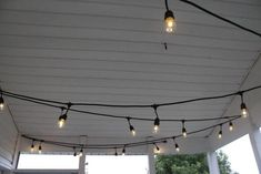 The Easiest Way to Hang String Lights on a Screened Porch - String Lights for the Screened Porch – Charleston Crafted La mejor imagen sobre healthy desserts - Hanging Patio Lights, Edison Lighting, Pergola Lighting, Outdoor Lighting, Lighting Ideas, Porch String Lights, Farmers Porch, Bistro Lights, Party