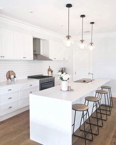 Well well well, if it isn't my favourite Kmart industrial bar stools again! 💁🏻♀️ from - Tap for tags! White Kitchen Interior, Home Decor Kitchen, Interior Design Kitchen, New Kitchen, Home Kitchens, Kitchen Decorations, Kitchen Ideas, Hamptons Kitchen, Hamptons House