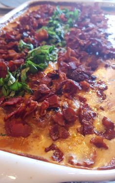 Danish Food, Lchf, Casserole, Cravings, Healthy Snacks, Chili, Chicken Recipes, Bacon, Food And Drink