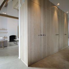Het proces dat nodig is om hout te vergrijzen kunnen we toepassen op het hele interieur, als het maar onbehandeld eiken hout is.