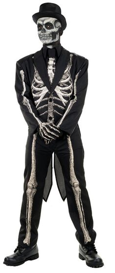Get gorgeous with Bone Chillin Men's Costume. Special Range of Spooky & Horror Costumes for Halloween at PartyBell. Scary Halloween Costumes, Halloween Skeletons, Couple Halloween, Cool Costumes, Adult Costumes, Costume Ideas, Spooky Halloween, Halloween 2018, Halloween Celebration