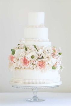 7 stunning wedding cakes with the wow factor for 2014