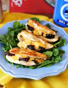 Nagyon sajtos töltött csirkemell | Street Kitchen Breakfast Lunch Dinner, Hamburger, Chicken Recipes, Turkey, Food And Drink, Dishes, Cooking, Kitchen, Fitt
