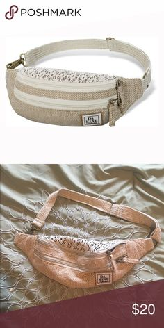 98c1a5d3dd8d Dakine Hawaii Crochet  amp  Burlap Fanny Pack Perfect condition! It was  used once for