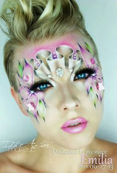 Eye and make up art - curly pink
