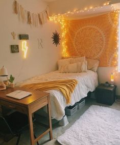 39 Cute Dorm Rooms We're Obsessing Over Right Now - By Sophia Lee - this dorm room decor just makes me happy! Informations About 39 Cute Dorm Rooms We're Obsessing O - Dorm Color Schemes, Dorm Colors, Teen Room Colors, Paint Colors, Cute Room Decor, Yellow Room Decor, Yellow Rooms, Doorm Room Ideas, Home Decor Ideas
