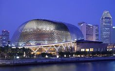 Esplanade – Theatres on the Bay believes that the arts is for everyone. Discover what's on at Singapore's home for the performing arts and explore this iconic destination along the waterfront. You're in for an arts experience like no other.