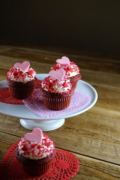 Valentines Day Red Velvet Cupcakes / Patty's Food