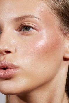 Glam Makeup, Skin Makeup, Makeup Inspo, Makeup Inspiration, Beauty Makeup, Hair Beauty, White Eye Makeup, Minimalist Makeup, Natural Makeup Looks