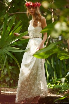 2014 Bridal Dress A-Line V-Neck Tulle Lace Beach Wedding Gown Beads Flowers Pearls Sheer Backless Sleeveless Sweep Train BHLDN Custom Made