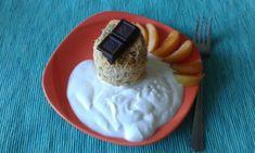 Meruňkový mug cake Chicken Paprikash, Muesli, Smoothies, Cheesecake, Pie, Ice Cream, Desserts, Food, Author