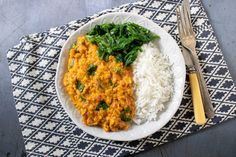 Red lentil dahl (dal, daal) is a 20 minute tasty Indian curry recipe. Stovetop, slow cooker and Instant Pot dal methods. Vegan Indian Recipes, Vegetarian Recipes Easy, Curry Recipes, Healthy Recipes, Free Recipes, Red Lentil Dahl Recipe, Veggie Meal Plan, Vegetable Pakora, Dhal Recipe