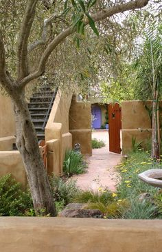 Love this Santa Cruz Residence - mediterranean - exterior - san francisco - Kathleen Shaeffer Design, Exterior Spaces Southwest Style, Southwest Decor, Spanish Backyard, Spanish Garden, Spanish House, Porches, Spot Design, Blue Design, Santa Cruz