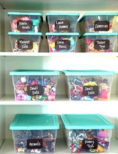 47 Clever Kids Bedroom Organization and Tips Ideas - Decoradeas Chalkboard Restaurant, Kid Toy Storage, Storage Ideas, Hidden Storage, Kids Bedroom Organization, Organization Ideas, Clever Kids, Toy Bins, Chalk Markers