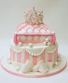 ♔ Princess Cake Happy Birthday ♡ ┌iiiii┐♪♫♪♫ ♡ Make a wish! Gorgeous Cakes, Pretty Cakes, Cute Cakes, Amazing Cakes, First Birthday Cakes, Birthday Cake Girls, Princess Birthday, Happy Birthday, Fondant Cakes