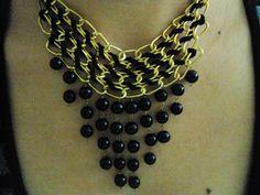 collar tejido con perlas Jewelry Ideas, Chain, Accessories, Pearls, Blue Prints, Necklaces, Jewelry Accessories