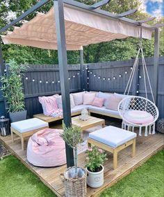 Indoor Outdoor, Outdoor Living, Outdoor Rooms, Outdoor Decor, Backyard Patio Designs, Patio Ideas, Garden Decking Ideas, Cosy Garden Ideas, Backyard Landscaping