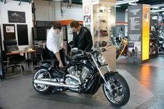 michael fassbender motorcycle | Michael Fassbender Motorcycle Shopping in Montreal - Michael ...