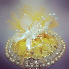 1st choice gift : Chocolate platter with pearl flower bunch. Product available at: https://www.facebook.com/1stchoicegift